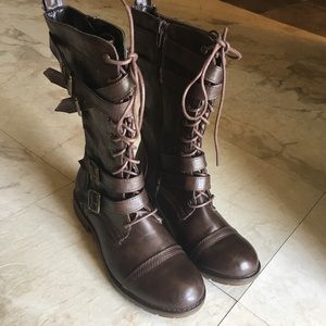 Shoes - Winston Brown Combat Boots